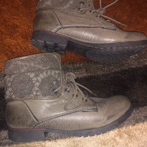 Rock and Cand boots